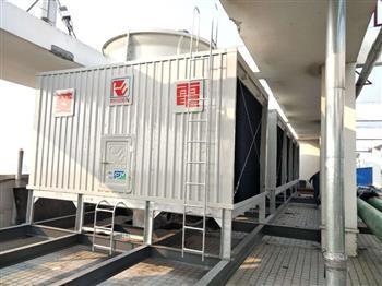 夏季高温里的菱电冷却塔